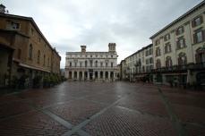 Piazza Vecchia-Bergamo - no people