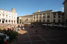 Piazza Vecchia-Bergamo - with people